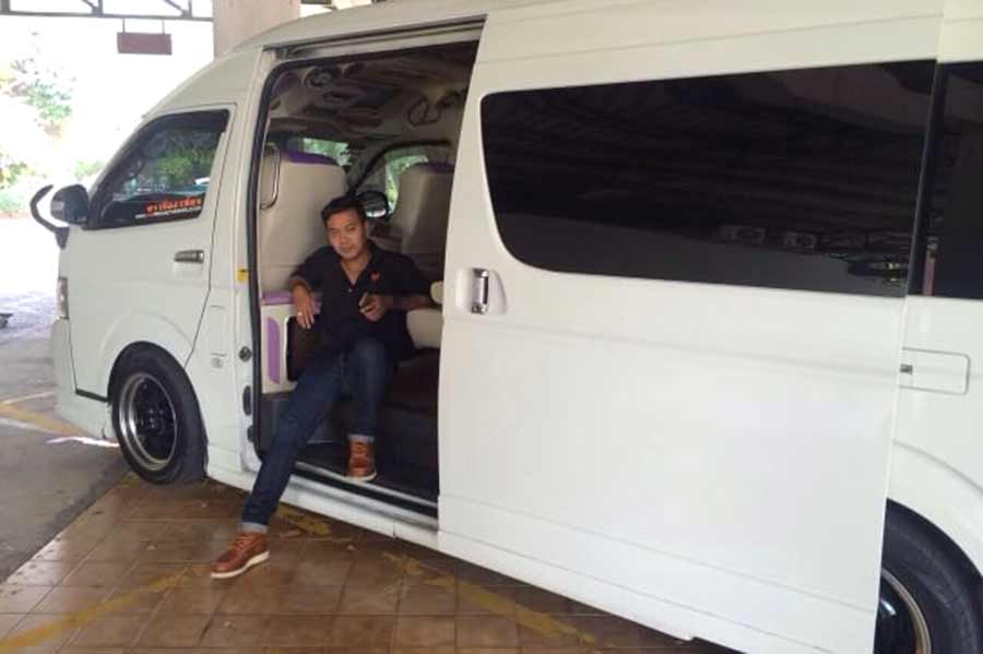 Thai driver Care tours in Bangkok