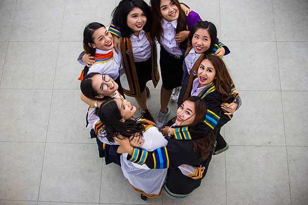 Thai students on tour in Bangkok