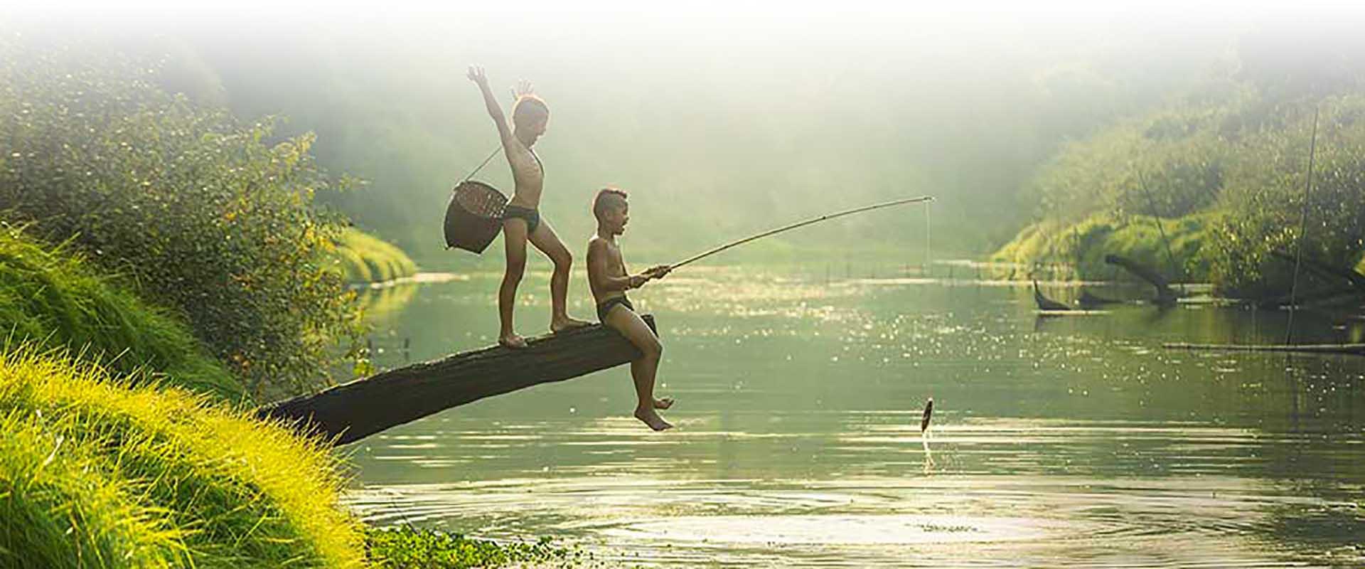 River Kwai tour fishing boys