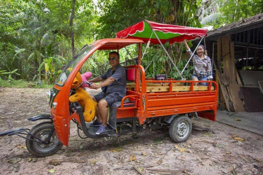 local tuk tuk in pattaya tour
